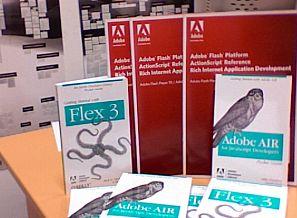 Volumele donate bibliotecii de către compania Adobe România
