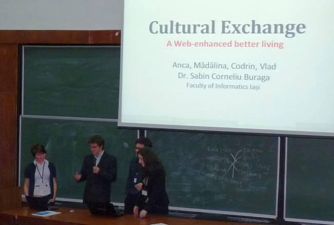 Studenții FII în timpul prezentării