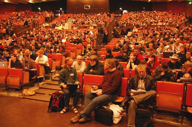 FOSDEM 2011: public