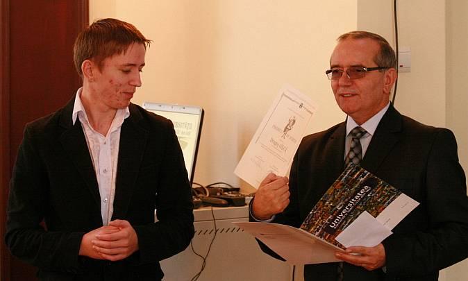 FII premiant Sf. Dumitru: studentul Dragoș Gâlcă și profesorul Dumitru Oprea